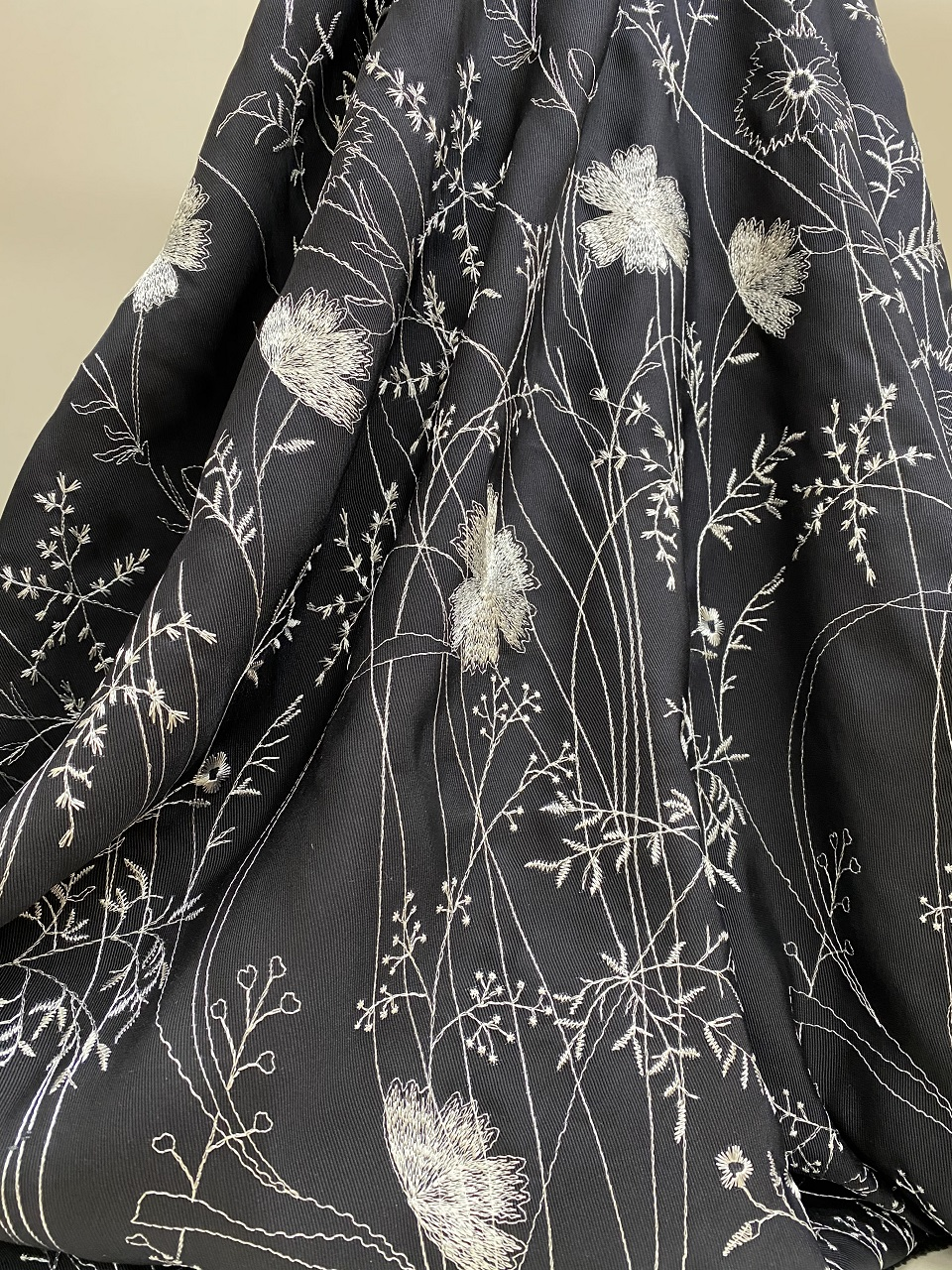 silk fabric with threads design